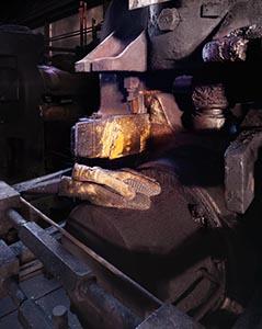fundia;netstaal;handschoen;staalfabriek