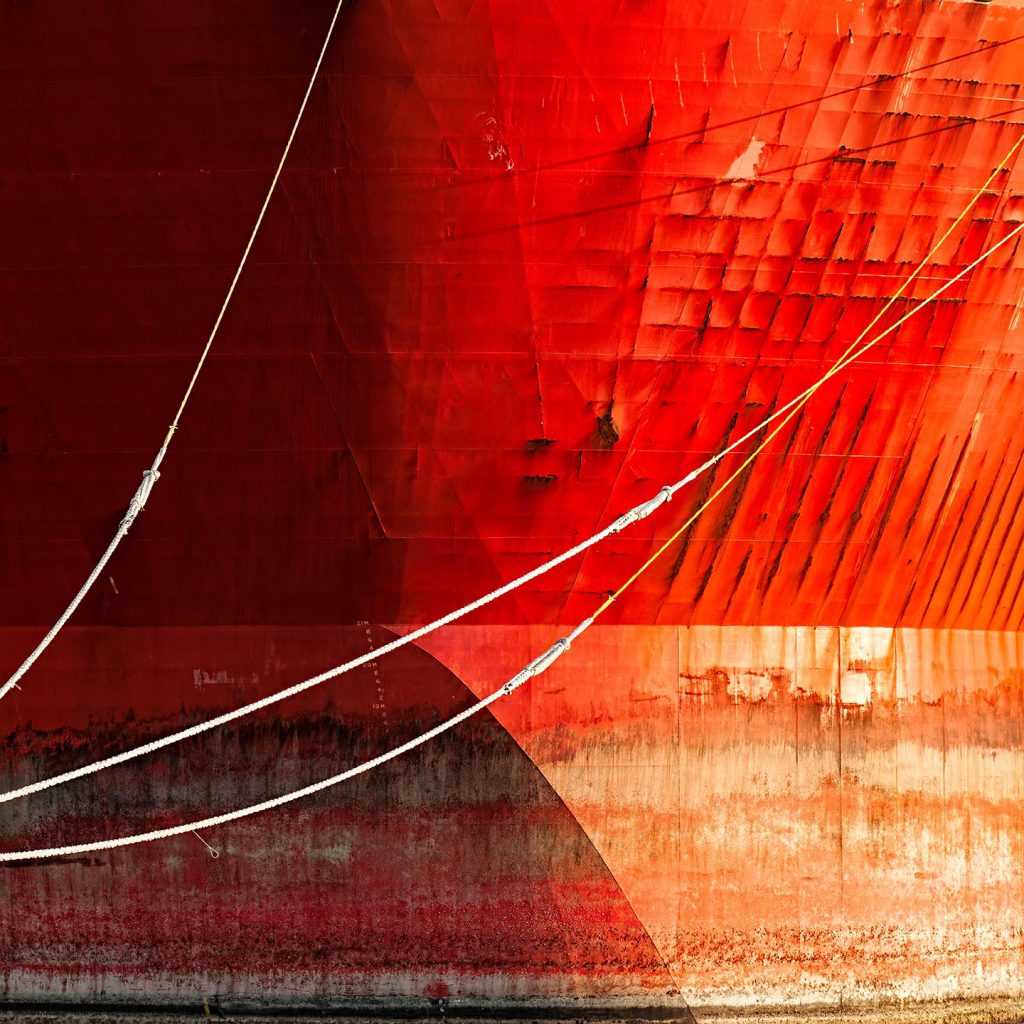 abstract rode boeg in haven