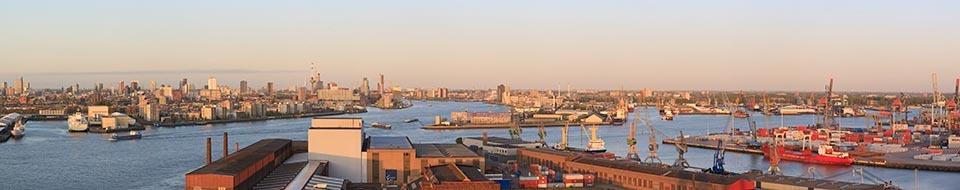 Panorama-Rotterdam-gezien-vanaf-de-RDM-2009